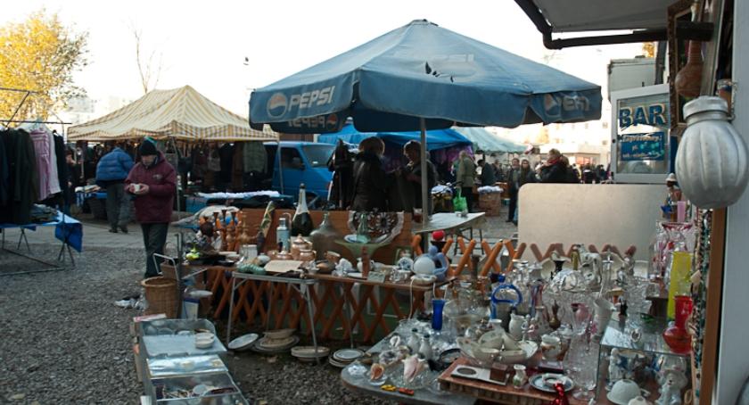 Handel i usługi, Spotkanie mieszkańcami temat przeniesienia Bazarku Dołku - zdjęcie, fotografia