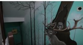Las ze zwierzętami na klatce schodowej ursynowskiego bloku